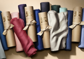 the-burberry-scarf-bar